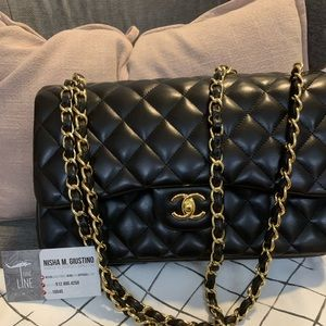 Authentic EUC CHANEL Medium Classic